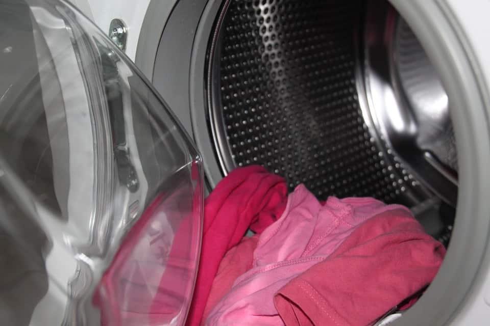 Truc astuces maison entretien nettoyer sa machine à laver domiciel