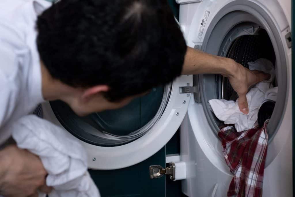 lessive-maison-domicile-nettoyer-linge-habits-adoucissant-machine-laver